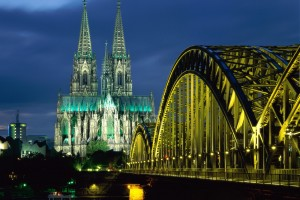 Cologne (Allemagne) - Cathedral and Hohenzollern Bridge